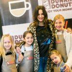 Dunkin' Donuts celebró el día del niño con un divertido taller de donuts