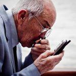 10 razones para que la gente mayor conozca el mundo de los smartphone