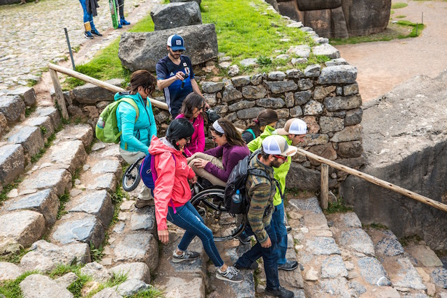 Wheel the world: chilenos abren ruta de turismo en Machu Picchu para personas con discapacidad