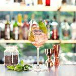 Aprende a preparar simples recetas del cocktail favorito del verano